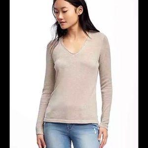 Old Navy Women's Beige V-Neck Sweater